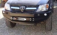 Передний бампер для Toyota Hilux 2005-2011 с монтажной плитой под лебедку, без кенгурятника (9704)