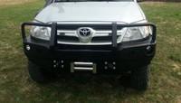 Передний бампер для Toyota Hilux (2005-2011) с монтажной плитой под лебедку и кенгурятником (9705)
